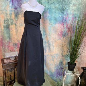 Roberta Timeless Black and White Ball - Prom  Gown